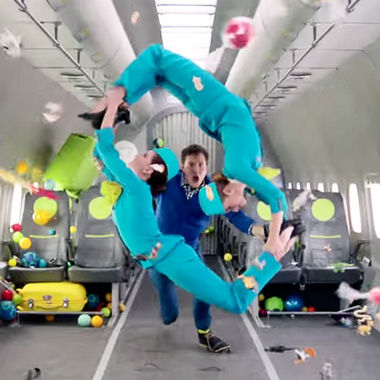 Ok Go - Upside Down & Inside Out © DR